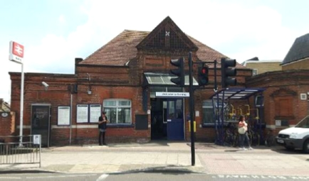 Tooting Station